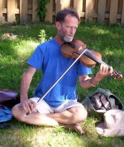 front yard violinist