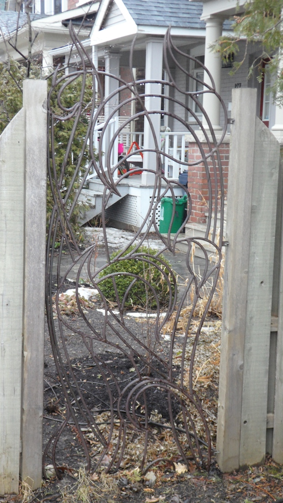 fence02 vert