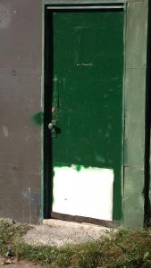 09.door02