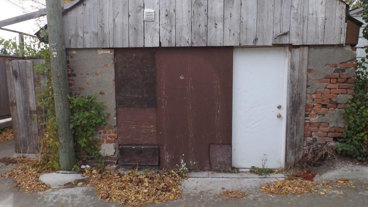 09.door04